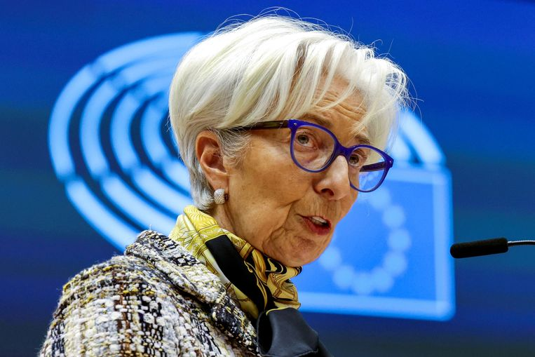 Christine Lagarde, president van de Europese Centrale Bank: de bank gaat door met het op grote schaal opkopen van leningen.  Beeld REUTERS