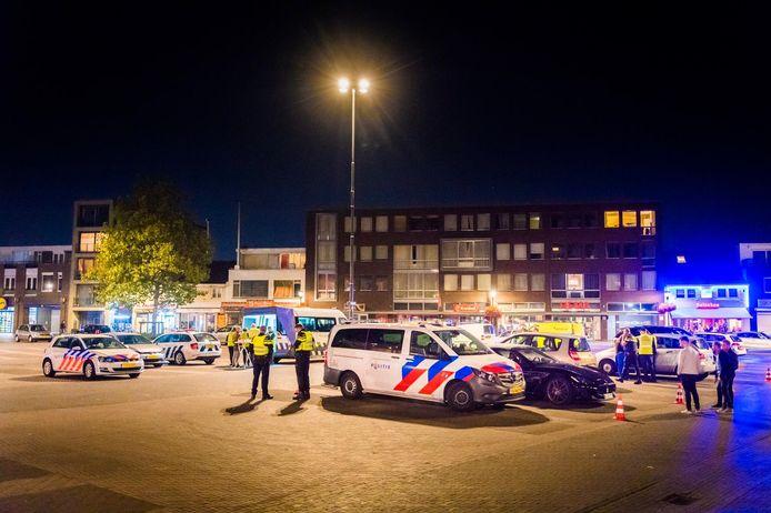 Grote controle op de Woenselse Markt in Eindhoven.