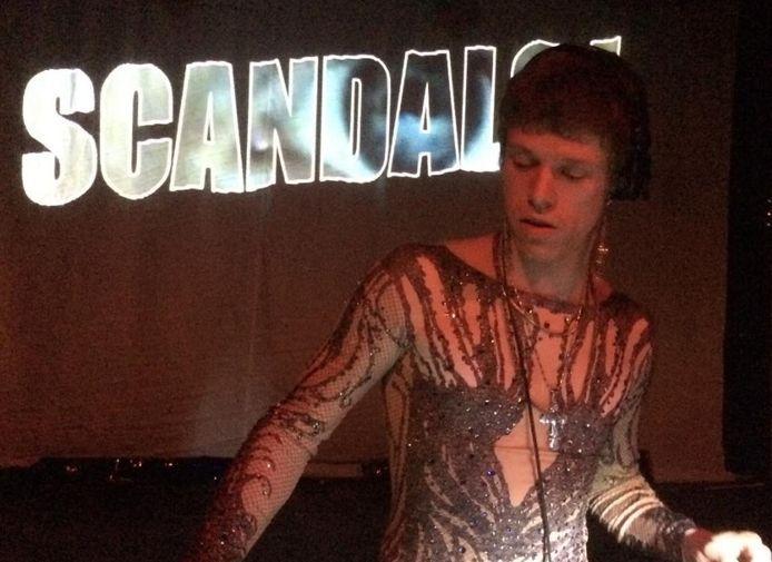Scandals is één van de stagehosts op het nieuwe festival Celebration Of Life van Trix en Fanklub.