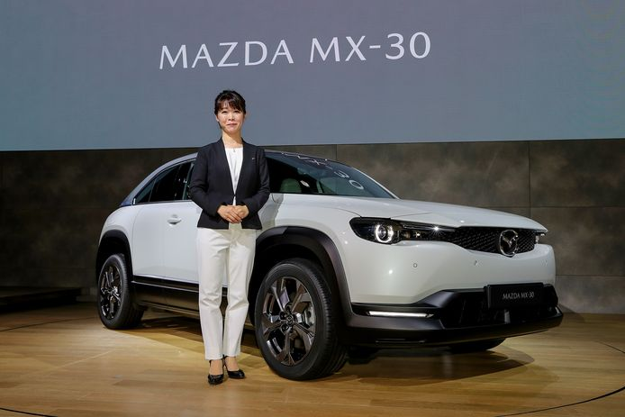 Tomiko Takeuchi en de MX-30