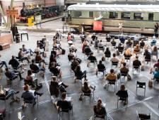 Deze Utrechtse leerlingen maken vanaf volgende week hun toetsen tussen de treinen: 'Unieke ervaring'