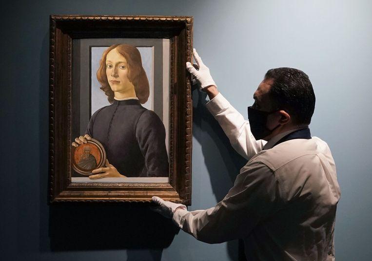 Botticelli:'Portrait of a Young Gentleman'. Geveild voor 76 miljoen afgelopen januari.  Beeld AFP