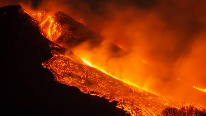 Italiaanse vulkaan Etna spuwt weer lava tot 300 meter hoog