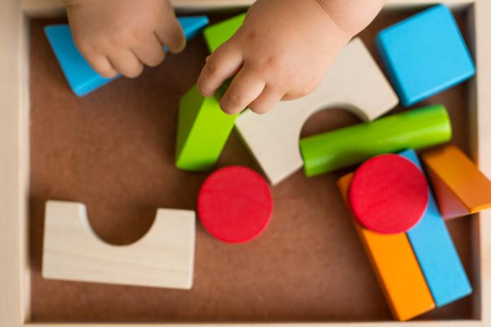 Door een jaar de bijdrage niet te verhogen, zouden minima en alleenstaande ouders extra worden gedupeerd.
