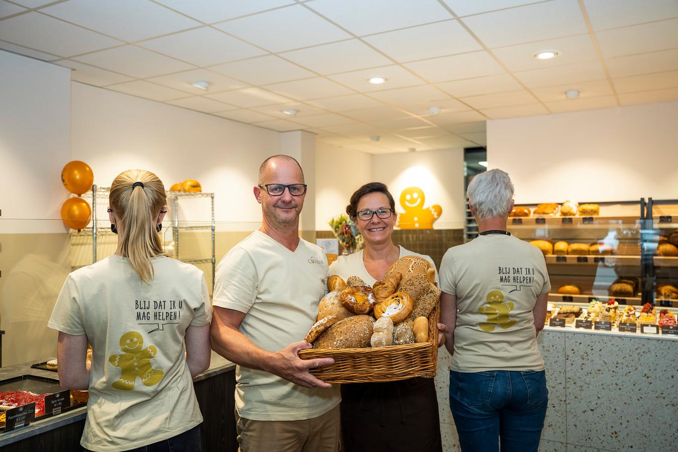 Atelier Co-Pains heeft een nieuwe bakkerswinkel geopend in Brasschaat. Geert en Heidi blijven de uitbaters van de bakker op de Bredabaan, die voorheen een filiaal van Van Opstal-Van Boxel was