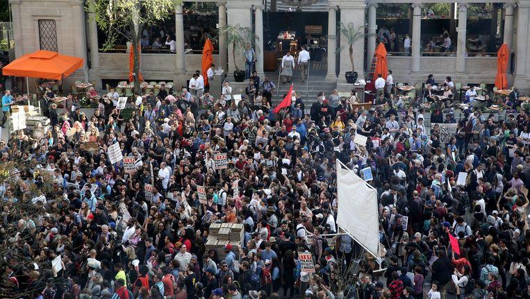 Duizenden mensen nemen deel aan een vreedzame mars in Baltimore. Beeld epa