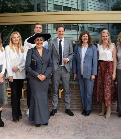 Prinsjesdagkleding Kamerleden Volt van Enschedese makelij