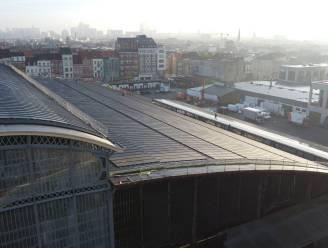 IN BEELD. Grootste stedelijke zonnepanelenpark van Europa landt op Abattoir-dak