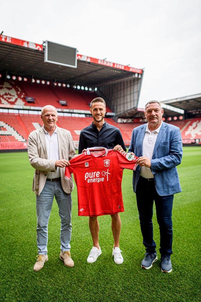 Ricky van Wolfswinkel is de nieuwe spits van FC Twente.