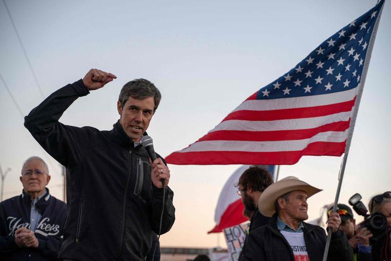 Beto O'Rourke spreekt tijdens de 'March for Truth' tegen Trump in El Paso, Texas. Beeld AFP