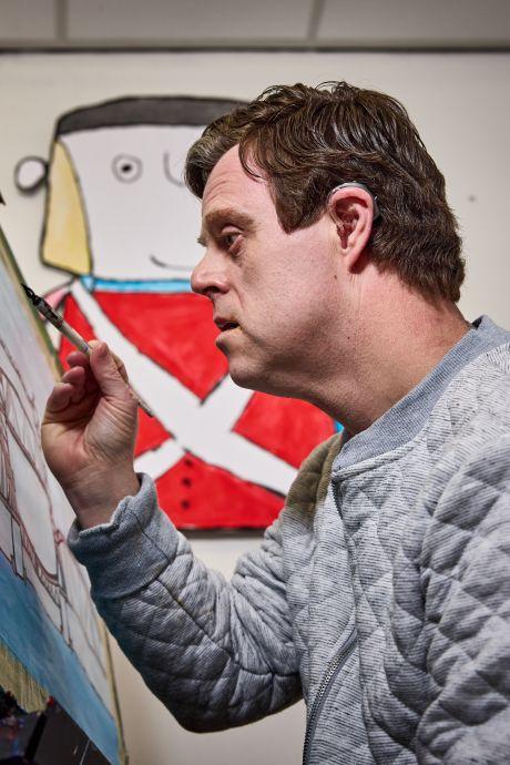 Schepen, bruggen en havens: de schilderijen van de verstandelijk beperkte Marco (44) gaan de wereld over