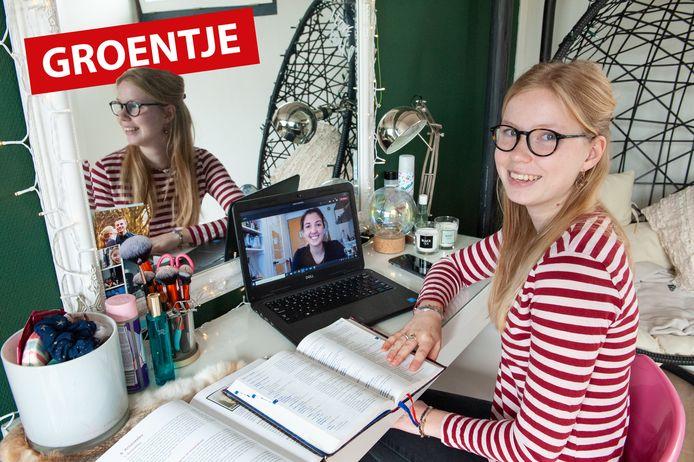 Gouda,  Anna-Maria Bouma zit in haar examenjaar van het Gymnasium en krijgt online bijles Grieks van Emma Docter.