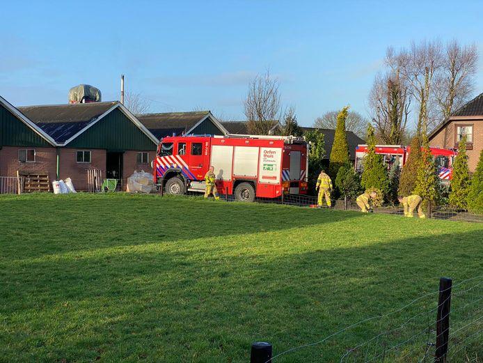De brandweer rukte met meerdere voertuigen uit, rond 11 uur is het sein brand meester gegeven