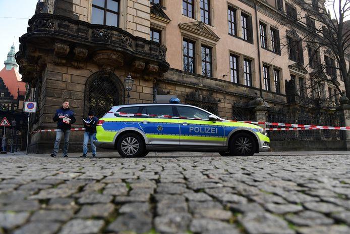Archiefbeeld: politiewagen in het centrum van Dresden