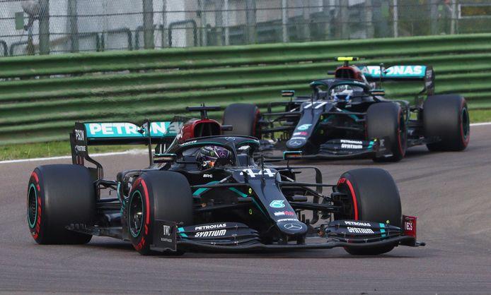 Hamilton en Bottas finishen op 1 en 2 op Imola.