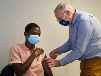 """VUB opent vaccinatiecentrum: """"Zo snel mogelijk richting normaal studentenleven zonder mondmaskers"""""""