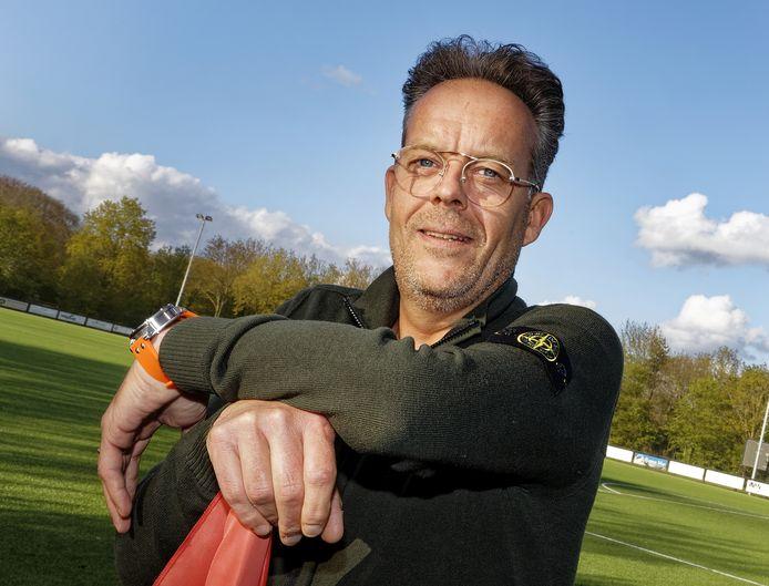 Jacco de Koning, voorzitter van de jubilerende voetbalclub Zwaluw VFC in Vught, verheugt zich op een nieuw 'Zwaluwnest'.