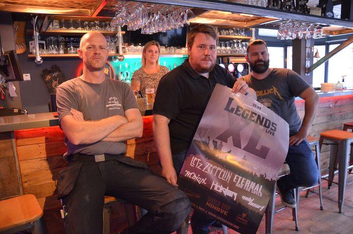 De leden van de nieuwe vereniging Lennox vzw organiseert voor het eerst 'Legends Live XL' in Okegem.