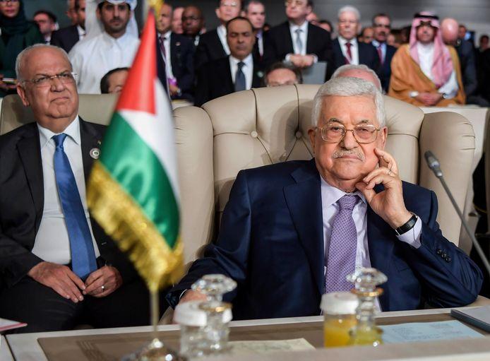 De Palestijnse president Mahmoed Abbas (rechts).