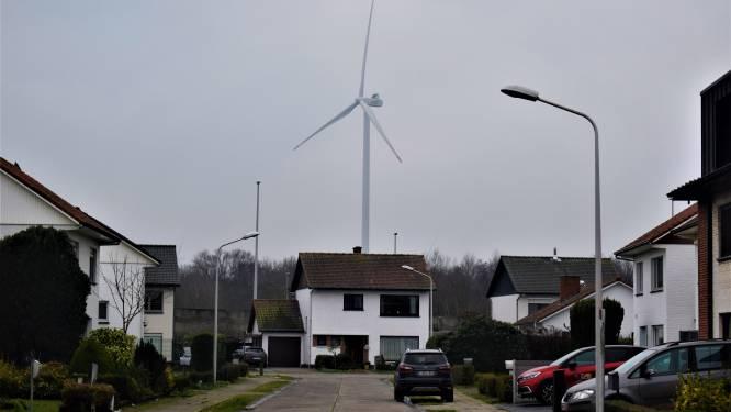 """""""1 windmolen per 2 vierkante kilometer is meer dan genoeg"""": Zelzate wil windturbinestop inbouwen"""