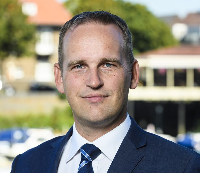 Burgemeester Bram van Hemmen verlaat Sliedrecht en gaat aan de slag als burgemeester van de Hoeksche Waard.