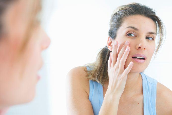 La peau s'étend si on l'étire de manière mécanique. Cette technique est utilisée depuis des décennies pour les opérations où de la peau est apposée sur de la peau endommagée par des blessures ou des brûlures. Jusqu'à aujourd'hui cependant, les procédés cellulaires qui agissent dans cette peau étirée étaient inconnus.