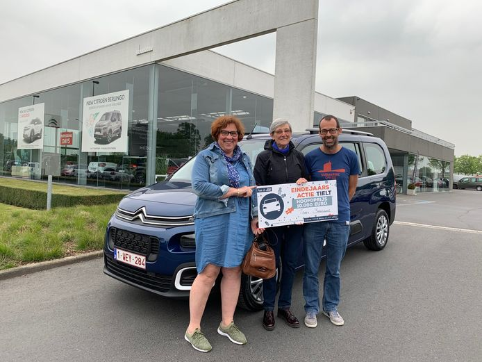 Net als vorig jaar is er met de Tieltse eindejaarsactie opnieuw een cheque van 10.000 euro te winnen voor een nieuwe wagen. Bij de vorige editie ging de hoofdprijs naar Thérèse Beernaert.
