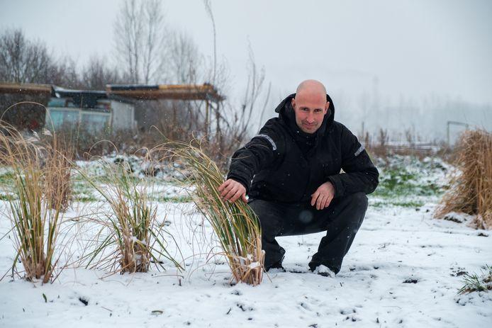 Ben Rombouts moet zijn Bloemenplukweide verlaten. De eigenaar wil er weer gewoon landbouwgrond van maken.