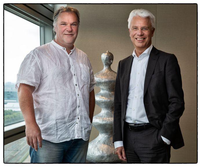 Hans Spekman (l) van het Jeugdeducatiefonds en Kees van Dijkhuizen, topman van ABN Amro.