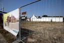 Budel ED2020-6352 *WoCom* is gestart met de voorbereidende werkzaamheden voor een nieuw appartementencomplex op het voormalige terrein van *Garage Verhoeven*
