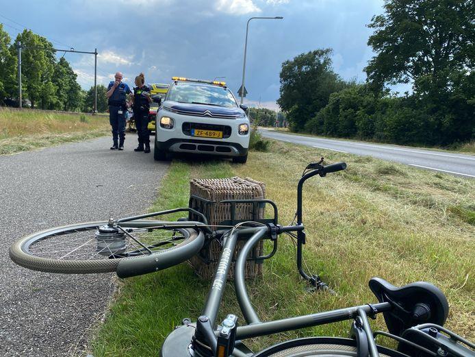 Een fietser is gewond geraakt bij een ongeluk met een scooterrijder in Hardenberg.