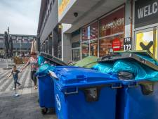 Ergernis over wildgroei aan containers in binnenstad Steenwijk: 'Waarom geen handhaving?'