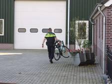 Wielrenner door een auto geschept op Trentsedijk in Zeeland