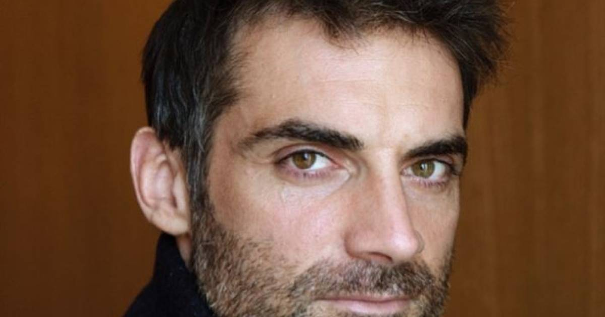 """L'acteur Gil Alma complexé par son sexe: """"Je le compare à une petite voiture"""" - 7sur7"""