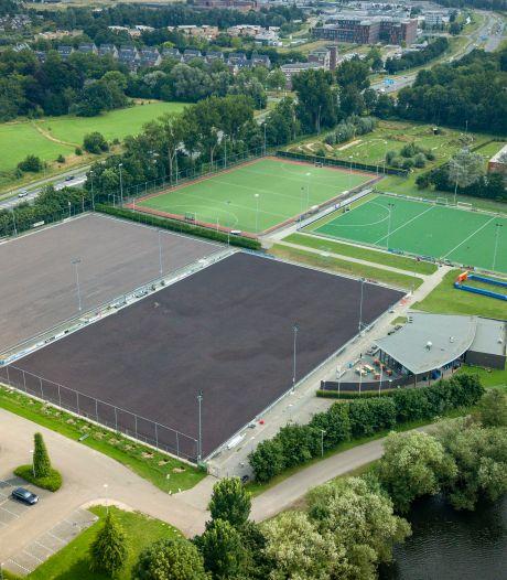 Renovatie van hockeyvelden kost Zutphen beduidend meer geld