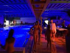 'Griezelen' tijdens het spookzwemmen in De Gelenberg