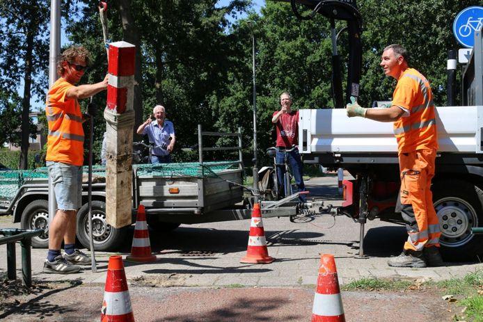 In Amersfoort zijn de afgelopen weken op last van de gemeente 65 hinderlijke fietspaaltjes weggehaald.
