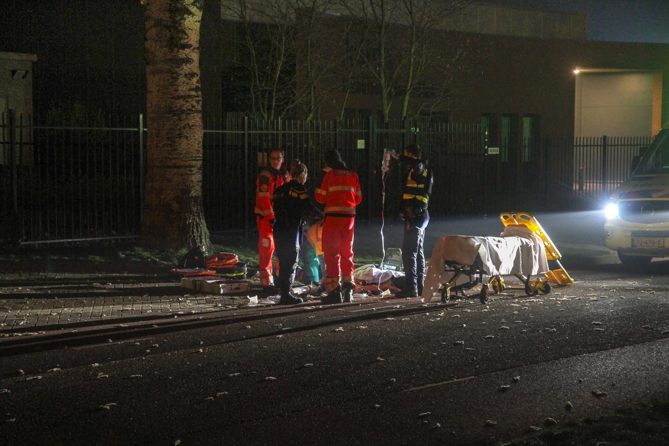 Op de Energiestraat in Deurne sprong een van de verdachten uit de auto. Hij raakte zwaargewond.