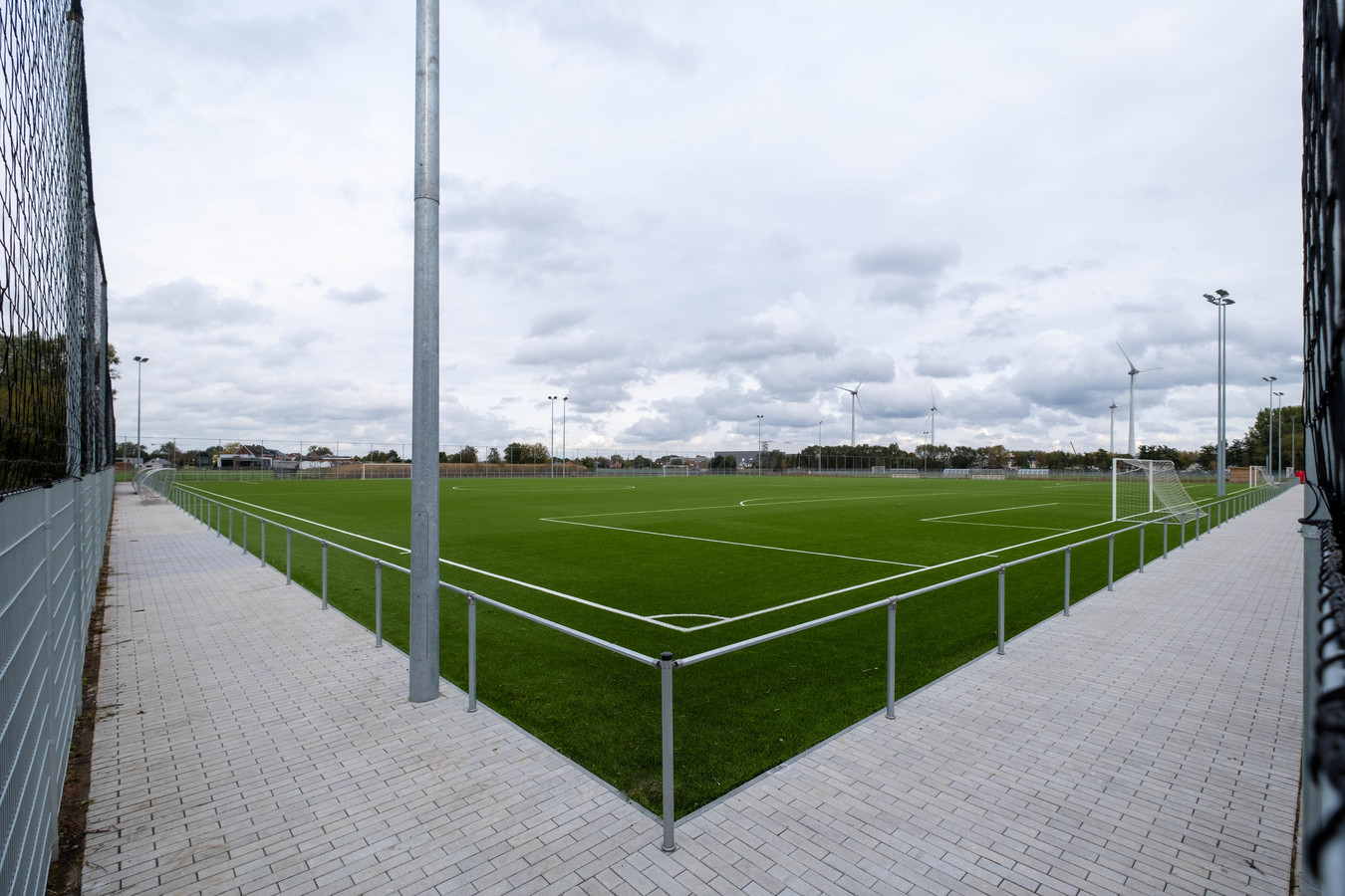 PUURS-SINT-AMANDS - De nieuwe voetbalvelden aan de Lichterstraat in Puurs