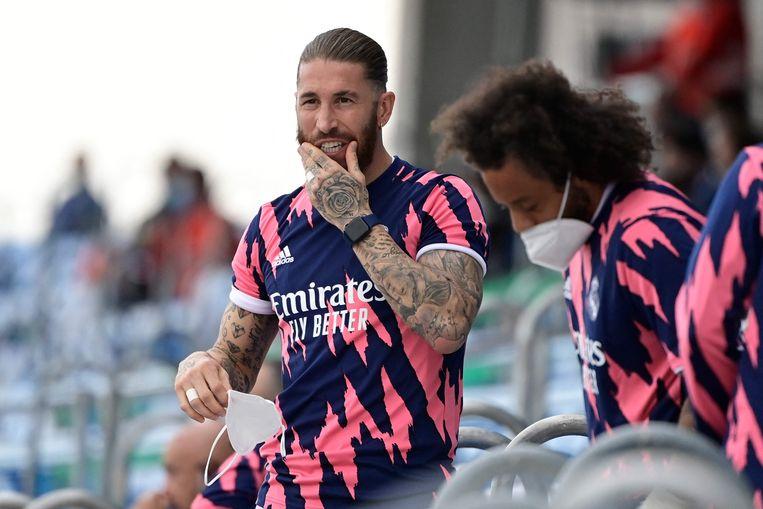 Ramos afgelopen weekend op de tribune bij Real. Beeld AFP