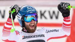 Marco Schwarz skiet naar zege in combiné in Wengen