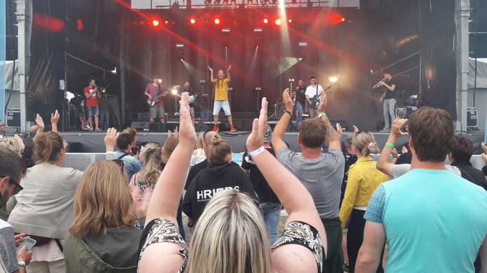 Bazz Barnasconi van de Bazzookas op festival De Ballade in Terneuzen, vorig jaar zomer