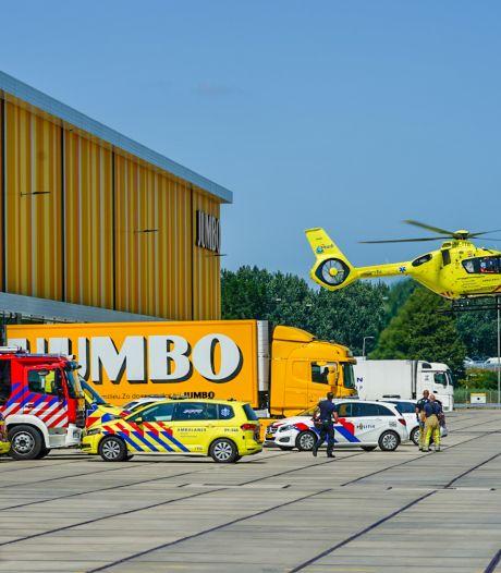 Hulpdiensten massaal uitgerukt naar distributiecentrum van Jumbo in Nieuwegein