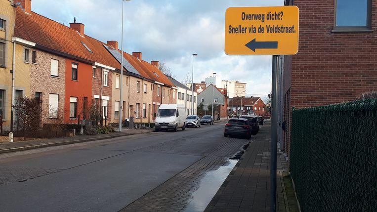 Het verkeersbord in de Herdersstraat staat maar enkele meters voorbij het kruispunt met de Begoniastraat waardoor omwonenden vrezen dat automobilisten de Sint-Jozefswijk zullen inrijden.