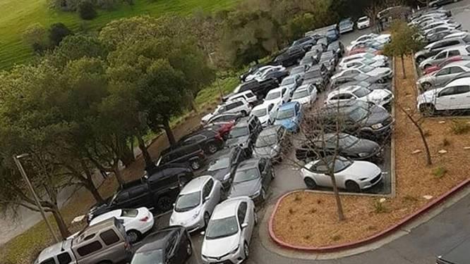 De parkeernachtmerrie bij Tesla: hoe 6.000 werknemers elke dag vechten om 4.500 plaatsen