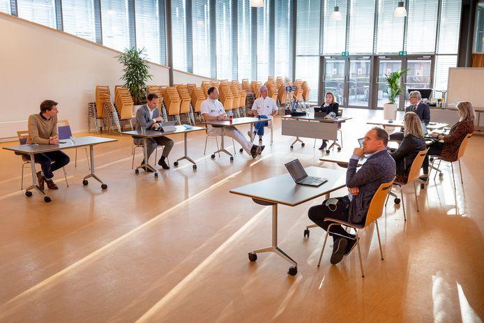 Crisisoverleg in de aula van het ziekenhuis in Tilburg