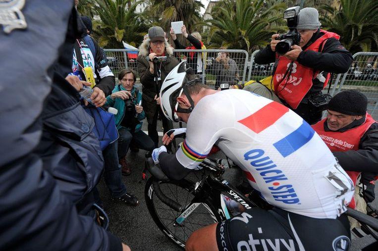 Cavendish moet bekomen van deze race, die lang aan ieders ribben zal blijven plakken Beeld PHOTO_NEWS