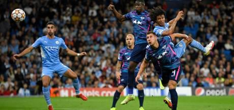 Aké laat zich bij winnend ManCity zien met rake kopbal tegen RB Leipzig