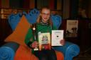Een blije Inge Ormel, een van de twee beste voorlezers van Hengelo.