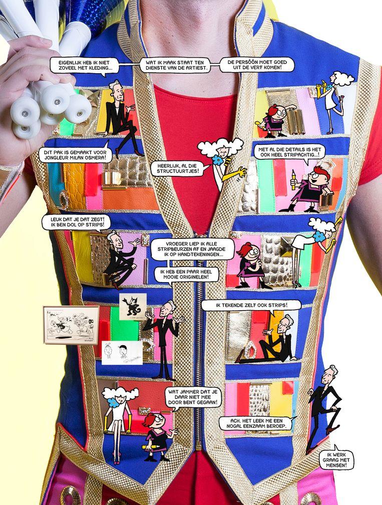 Het stripinterview met mode-ontwerper Tycho Boeker, met zijn jongleurspak als achtergrond. Beeld Margreet de Heer